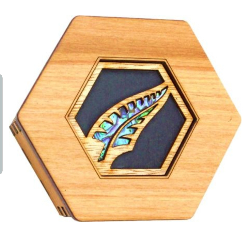 Rimu Box Paua Fern